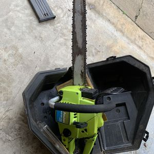 Vintage 1976 Poulan Chainsaw for Sale in Duluth, GA