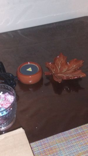 Maple Leaf Scentsy warmer for Sale in Temple City, CA