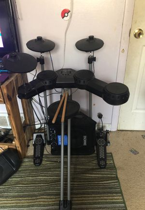 Simmons electronic drum set with simmons 25watt amp for Sale in Warren, MI