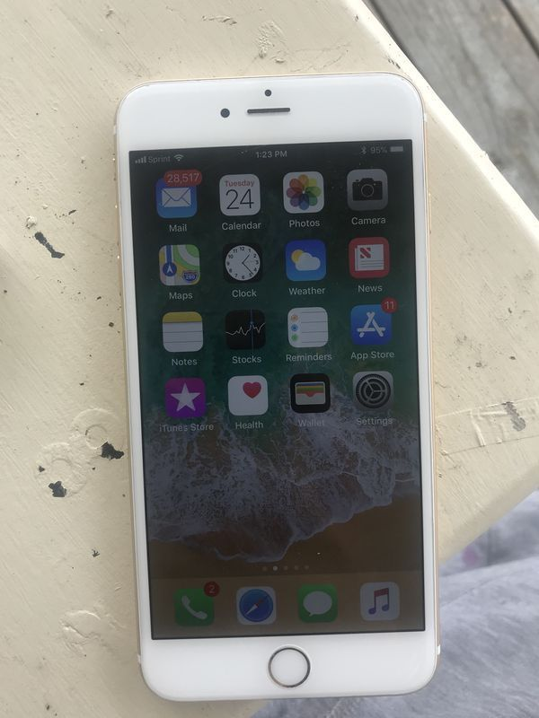 iPhone 6s Plus (64gb) Comes With Charger and 1 Month Warranty