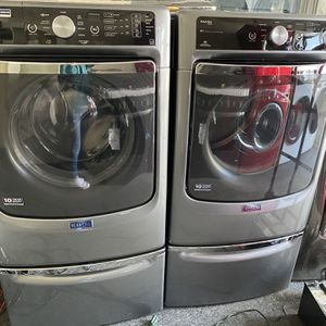 Maytag Front Load Washer And Gas Dryer Set With Pedestals for Sale in Santa Ana, CA
