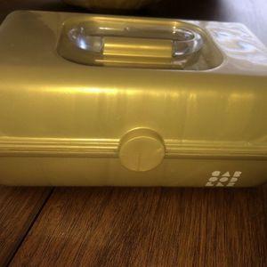Cute MINI Gold Caboodles Makeup Case Vanity for Sale in Surprise, AZ