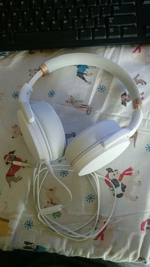 Sennheiser 4.30i Over-ear headphones with iPhone corded remote for Sale in Norfolk, VA