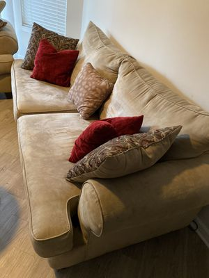 Beige Couch & love seat for Sale in Charlotte, NC