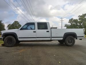 Chevy 3500 4x4 truck for Sale in San Antonio, TX