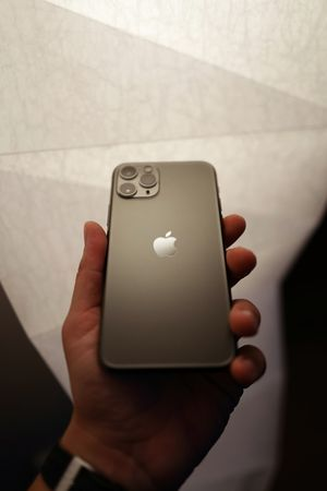 New Apple 64 gb Iphone for Sale in Los Angeles, CA