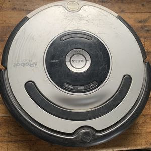 Roomba 561 Used Working with Extra Parts for Sale in Conestoga, PA