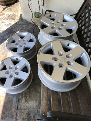 Jeep wheels 17 inch for Sale in Huntington Park, CA