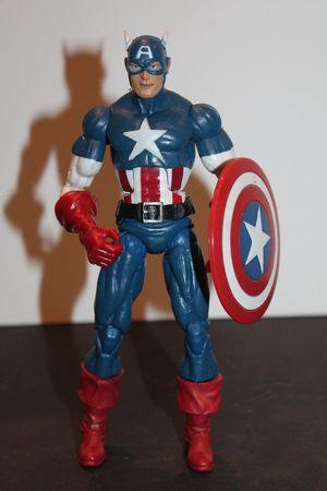 Custom Classic Captain America Marvel Legends Loose Figure for Sale in Arlington, TX
