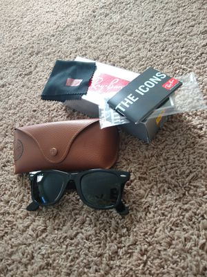 Ray-Ban Wayfarer sunglasses for Sale in Peoria, IL