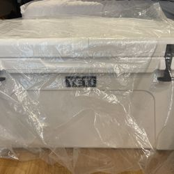 Yeti Tundra 75 Cooler White Brand New for Sale in Seattle,  WA