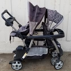 Double Stroller Graco Brand for Sale in Laton,  CA