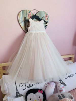 Bridal flower girl dress size 5 , can be for girls from 5 to 8 years old depending ., blush pink color. for Sale in Miami, FL