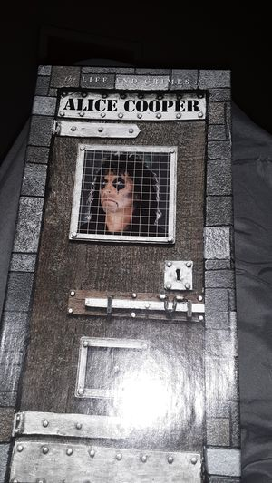 Alice cooper 4 disk collector edition for Sale in Alexandria, LA