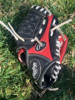 Tee Ball Glove for Sale in Whittier,  CA