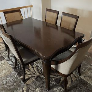 Dining table with 6 chairs still available for pick up in Gaithersburg md20877 for Sale in MONTGOMRY VLG, MD
