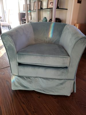 Swivel Club Chair for Sale in Stockton, CA