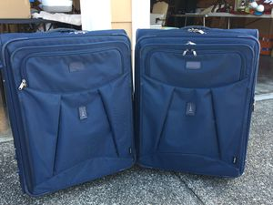 Travelpro 2 piece luggage set for Sale in Puyallup, WA