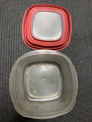 Rubbermaid Glass Pyrex/Plastic Tupperware for Sale in Philadelphia, PA