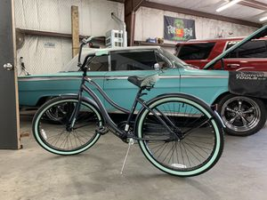 Women's 26 inch Full size bike ladies / girls bicycle for Sale in Garland, TX