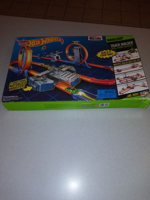 HOT WHEELS TRACK BUILDER TOTAL TURBO TRACK SET NEW FACTORY SEALED for Sale in Naperville, IL