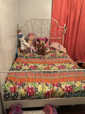 Full white bed frame IKEA for Sale in Pico Rivera, CA