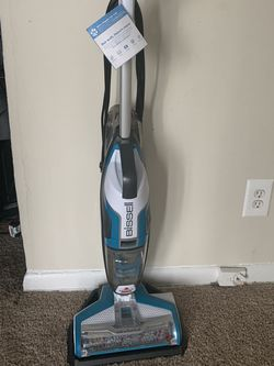Bissell 2 In One Cleaner for Sale in Whittier,  CA