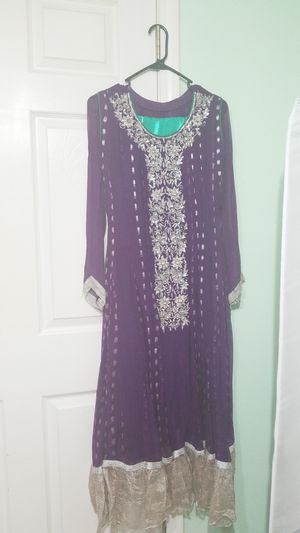 Purple and green Pakistani shalwar kameez dress for Sale in Alexandria, VA