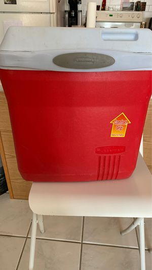 Rubbermaid cooler for Sale in Guilford, CT