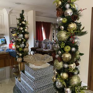 Christmas Tree Regular Prize Was $135 Sale Prize $60.00 Buy 2 $110.00 for Sale in Montebello, CA