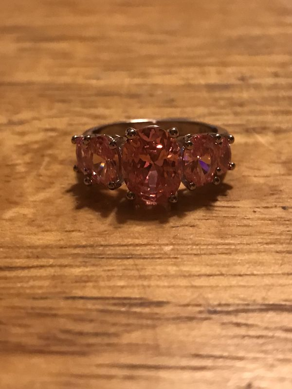 BRAND NEW LADIES PINK CRYSTALS RING SIZE 8