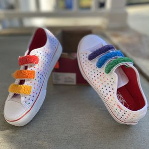 VANS Rainbow Chenille Style 23 V Girls Velcro Shoes Size 2.5 for Sale in Raleigh, NC