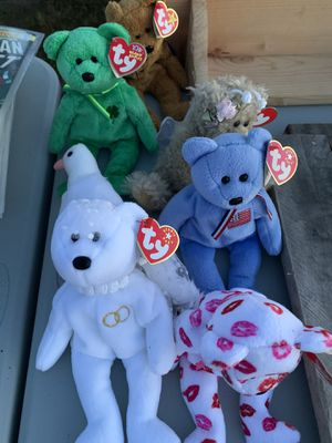 Five beanie babies. The swan is not available. for Sale in Macomb, MI