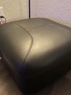 Leather Ottoman for Sale in Tampa,  FL