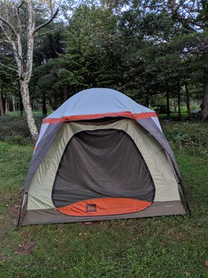 REI Hobitat 4 tent for Sale in Baltimore, MD