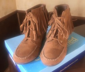 Tan Women's booties with Fringe Trim and Wedge Heel Size 8 for Sale in Smithers, WV