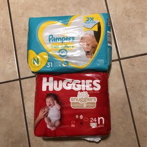 New born diapers for Sale in Los Angeles, CA