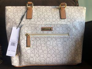White Calvin Klein Handbag for Sale in Bellflower, CA