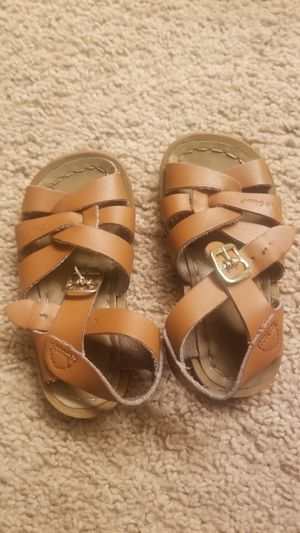 Size 6 used toddler Salt Water sandals for Sale in Rancho Cucamonga, CA