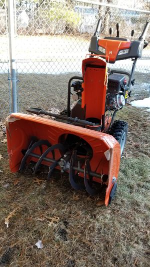 Snow Blower 30 inch Husqvarna for Sale in Lowell, MA