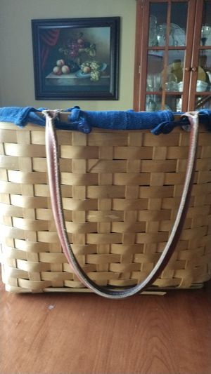 2002 Longaberger Large Boardwalk Basket with Navy Liner for Sale in North Andover, MA