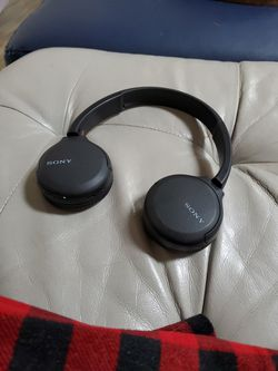 Wireless Headphones With Mic for Sale in Gaithersburg,  MD