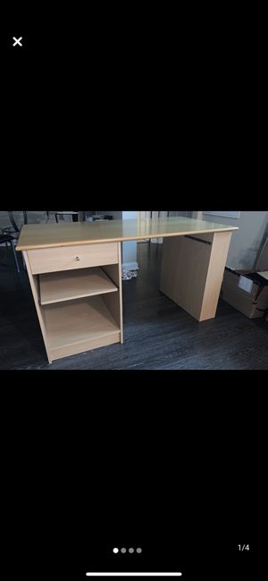 Office desk in excellent condition for $75 for Sale in Herndon, VA