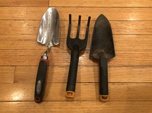 SET OF 3 HEAVY DUTY GARDENING TOOLS for Sale in New Lenox, IL