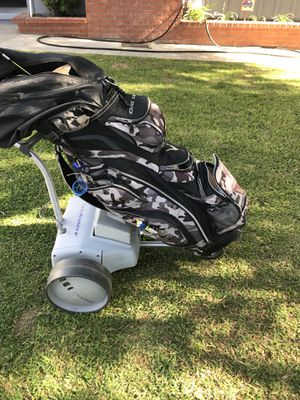 Club Runner Motorized golf cart, New Battery & Charger, ready to go👍🏿 for Sale in Pico Rivera, CA