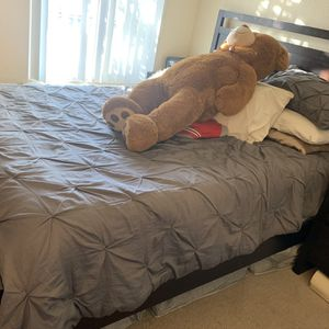 Quien Bed Set for Sale in Hanford, CA