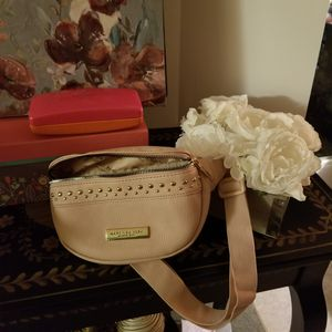 "9X5 FANNYPACK BY ""MARC OF NEW YOUR! LEATHER,PALE PINK & LIGHT!! for Sale in Ridgefield, WA"