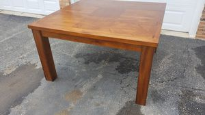 Dining table for Sale in Willowbrook, IL