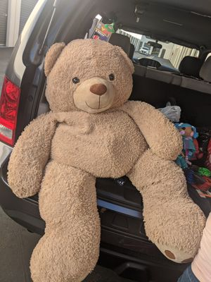 $20 Giant teddy bear for Sale in Paramount, CA
