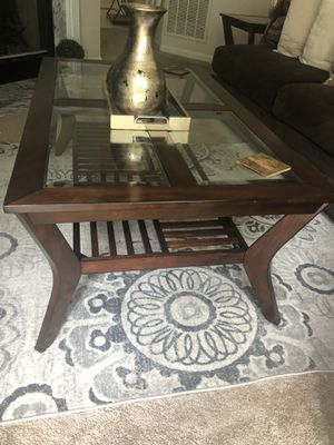 Coffee table and 2 side tables for Sale in Germantown, MD